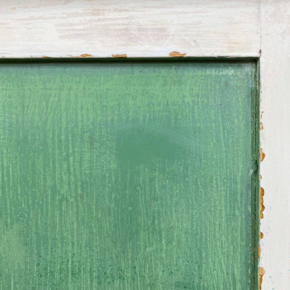 Groen-witte commode