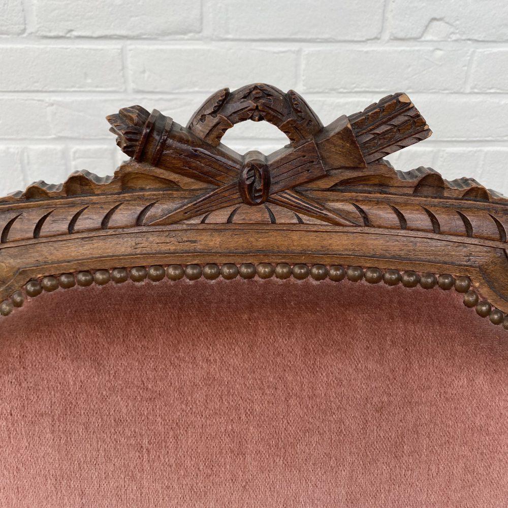 Antieke roze fauteuil