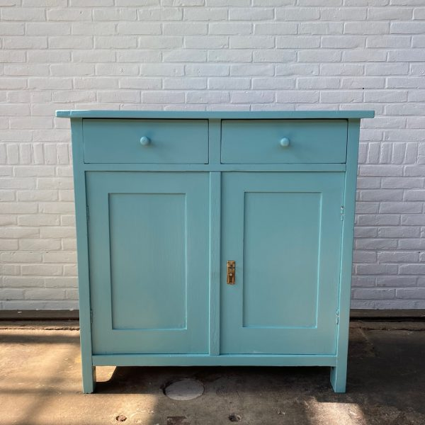 Mint-blauwe commode