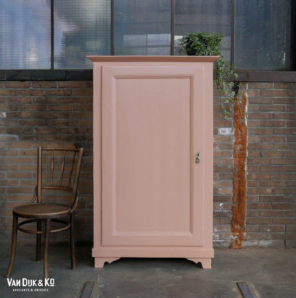 Roze linnenkast eendeurskast
