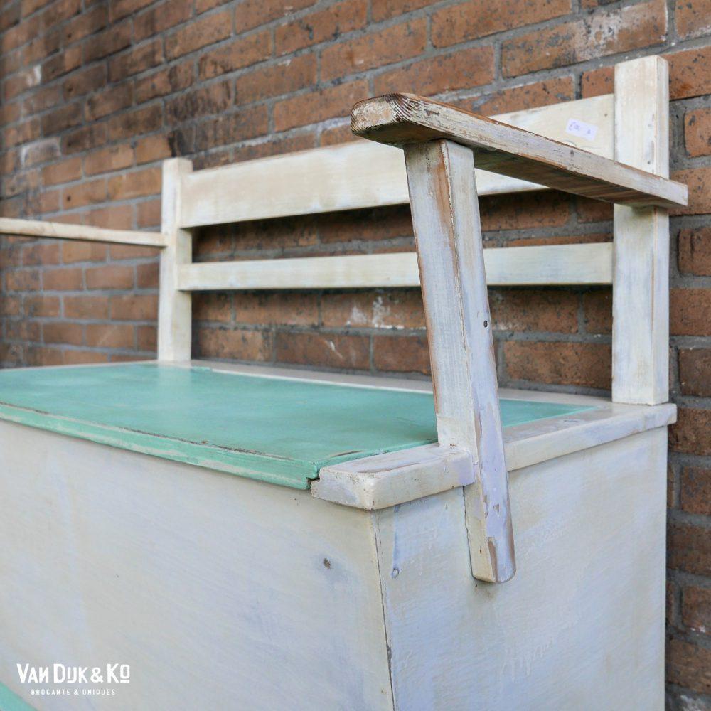 houten kinderbankje met opbergruimte