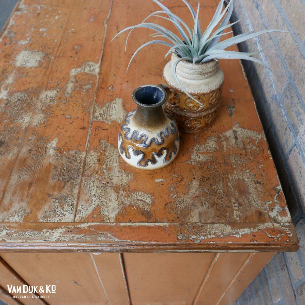 vintage kast met patina