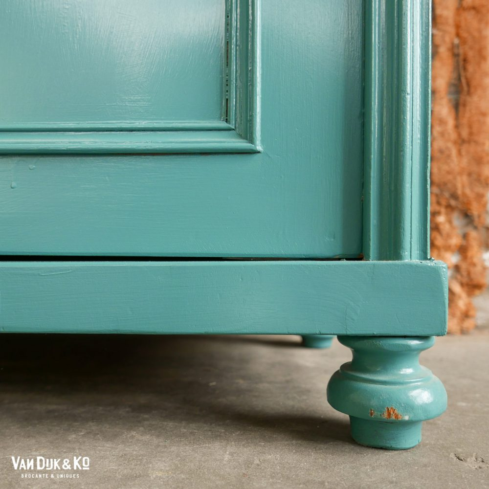 Vintage blauwgroene kast