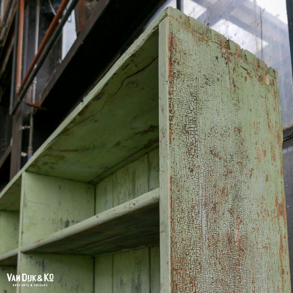 Vintage mintgroene stellingkast