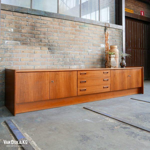 Vintage houten dressoir