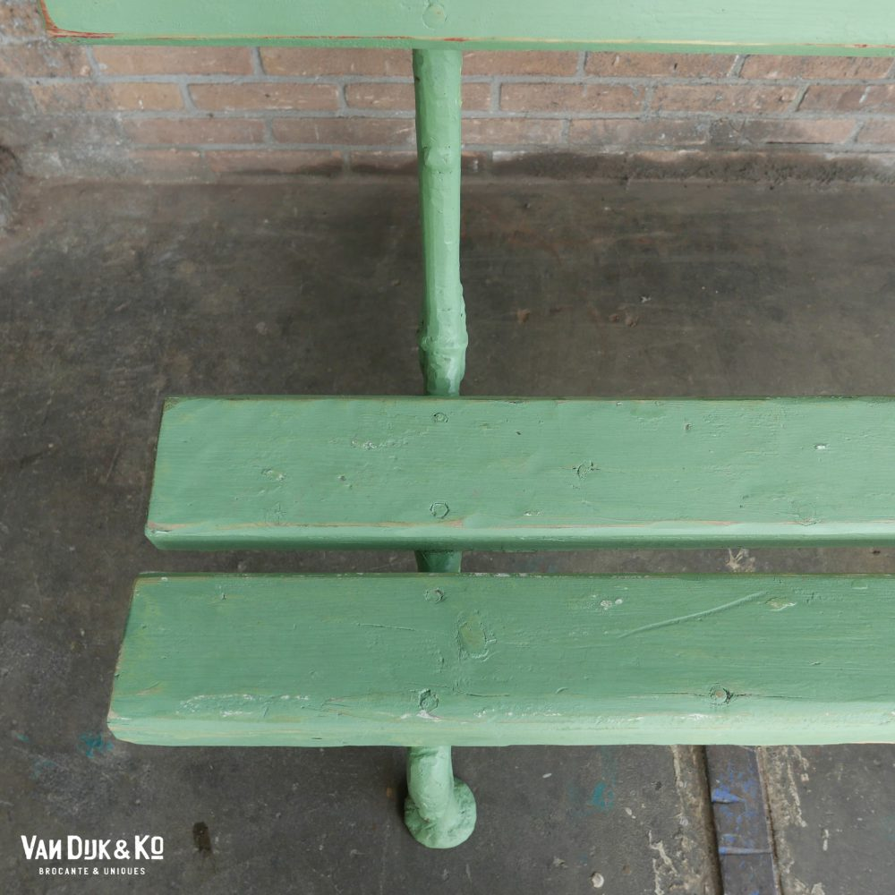 Groene brocante tuinbank