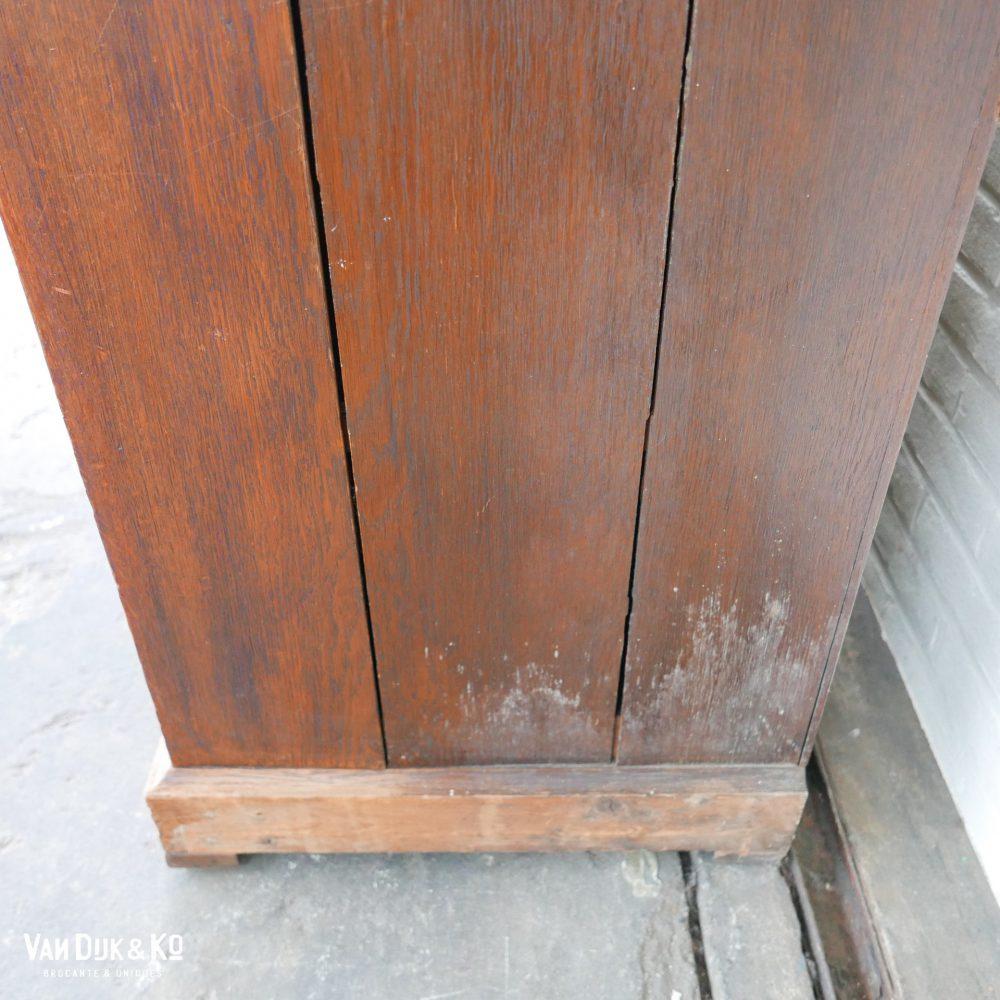 Vintage houten vitrinekast