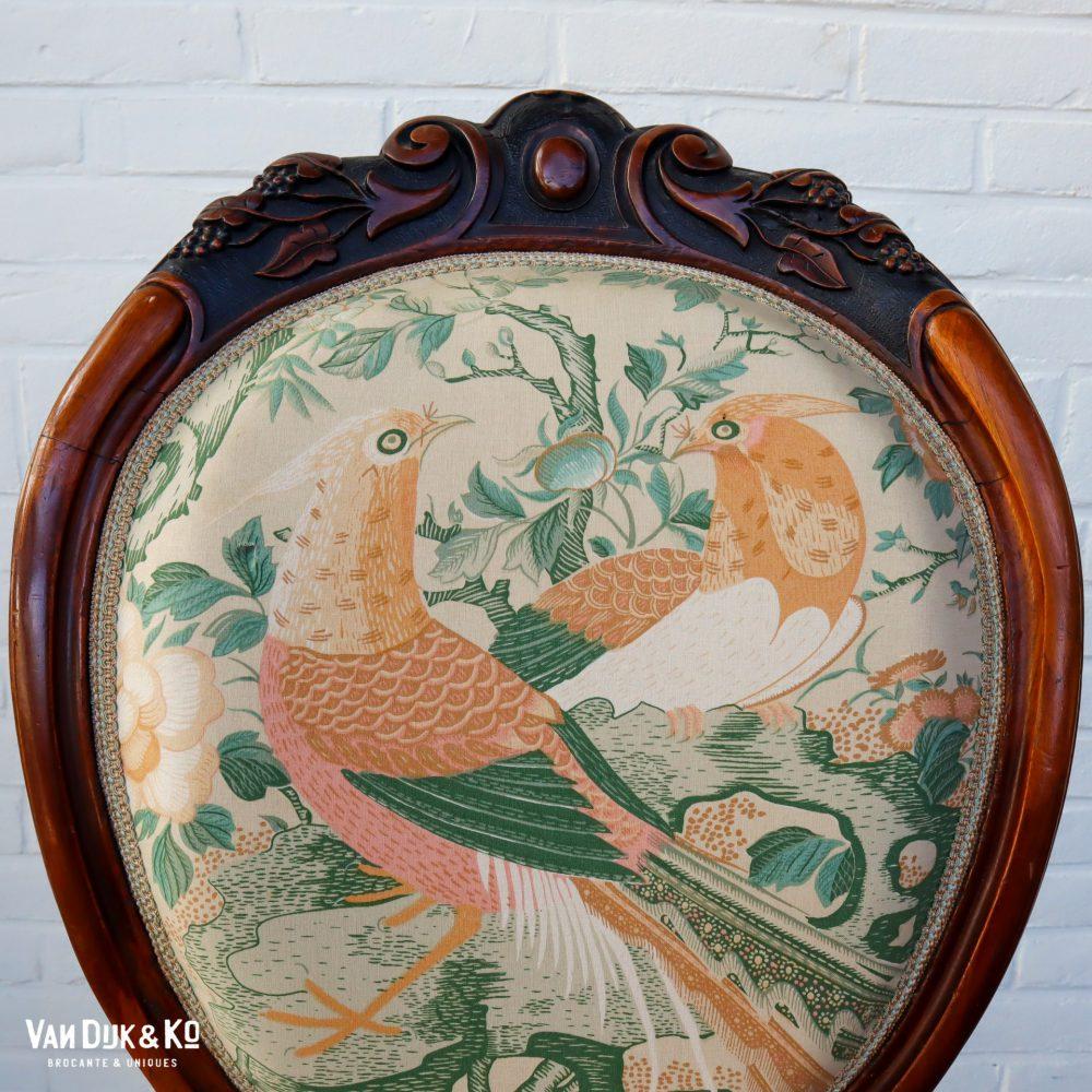 Barok stoeltje met vogelprint