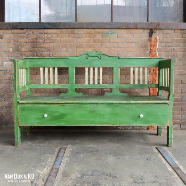 brocante groene bank met lade