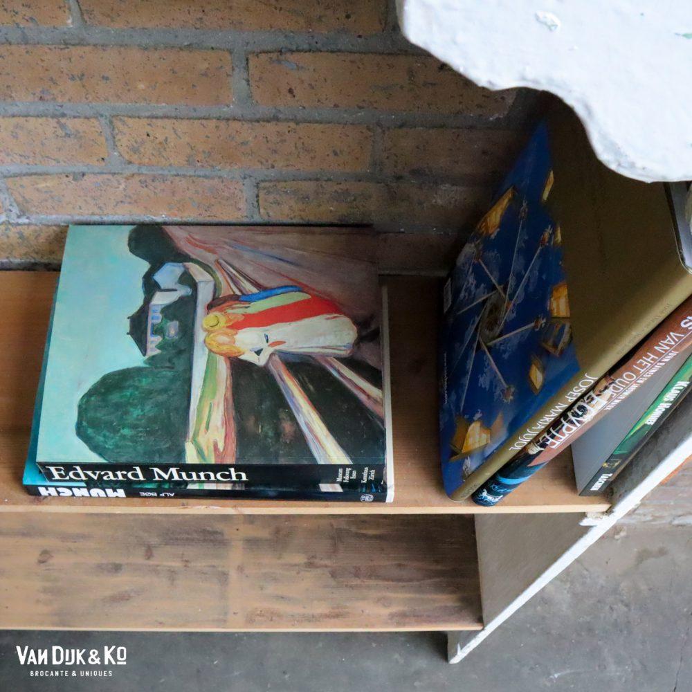 Brocante boekenrek
