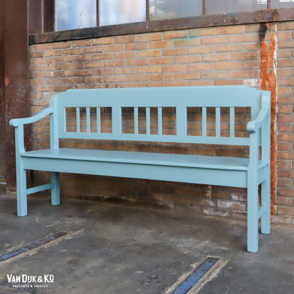 Blauwe houten bank