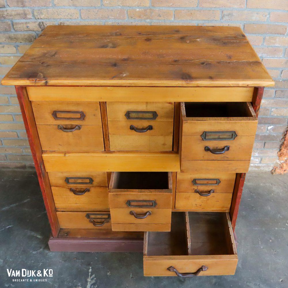vintage houten ladekastje