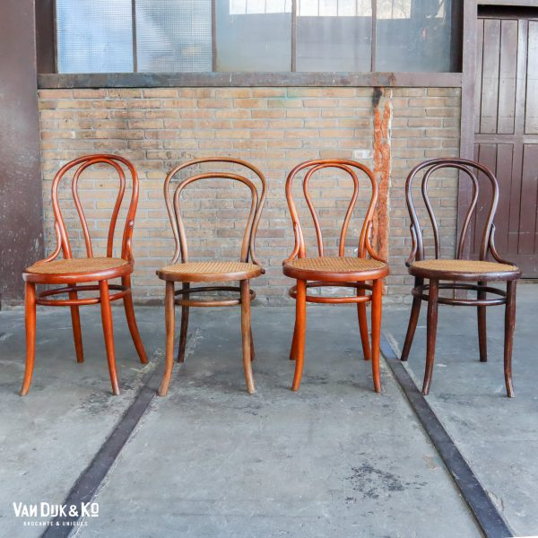 vintage thonet stoelen