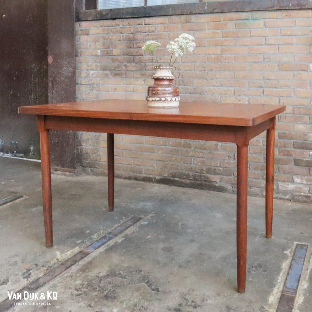 Uitschuifbare vintage tafel