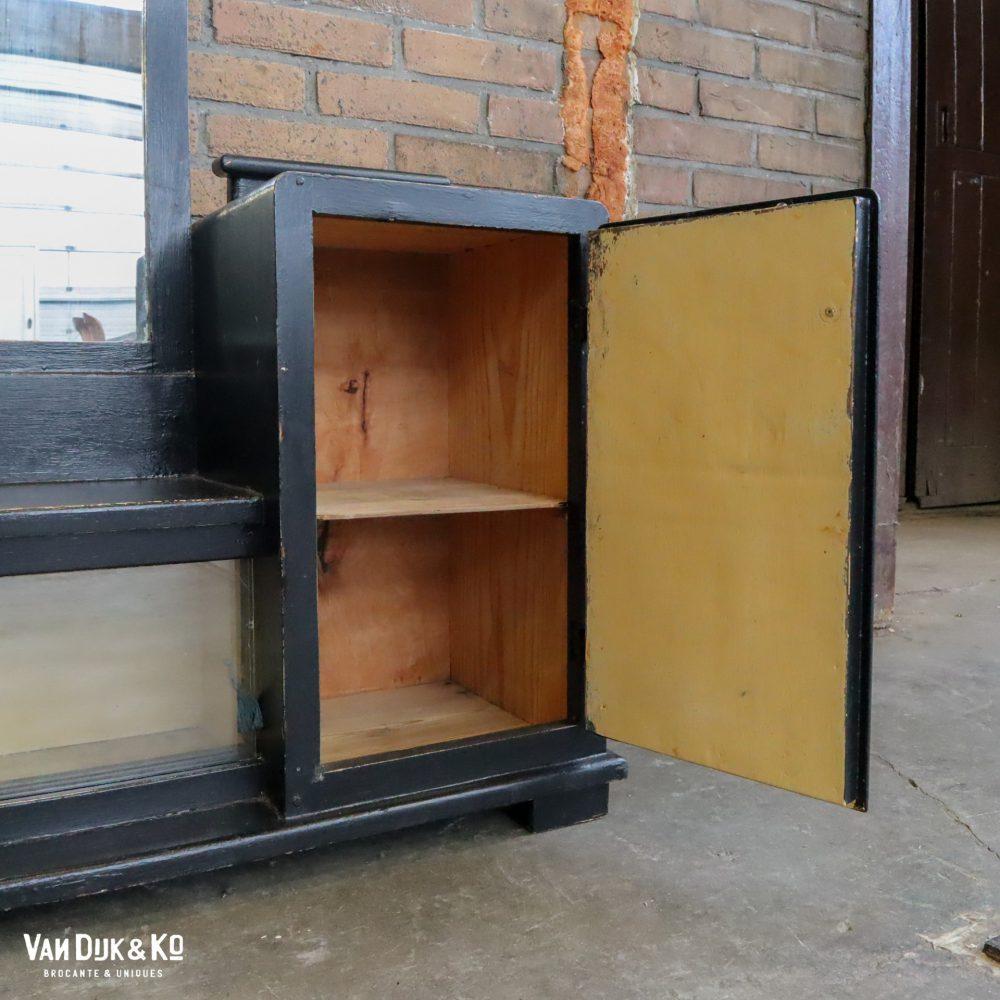 Zwarte houten kaptafel