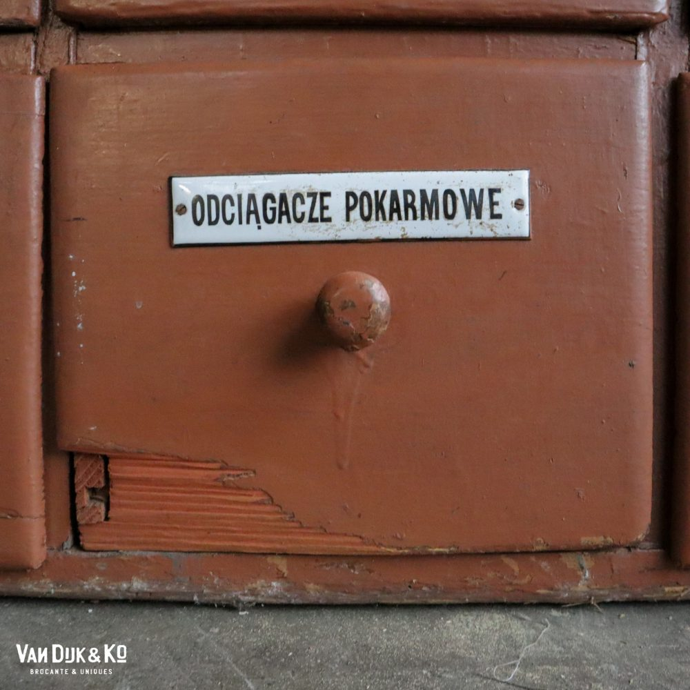 Vintage apothekerskast