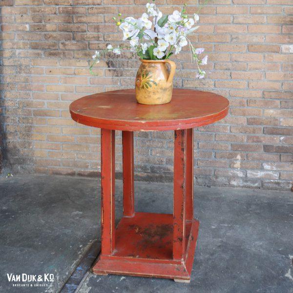 brocante roodbruin tafeltje