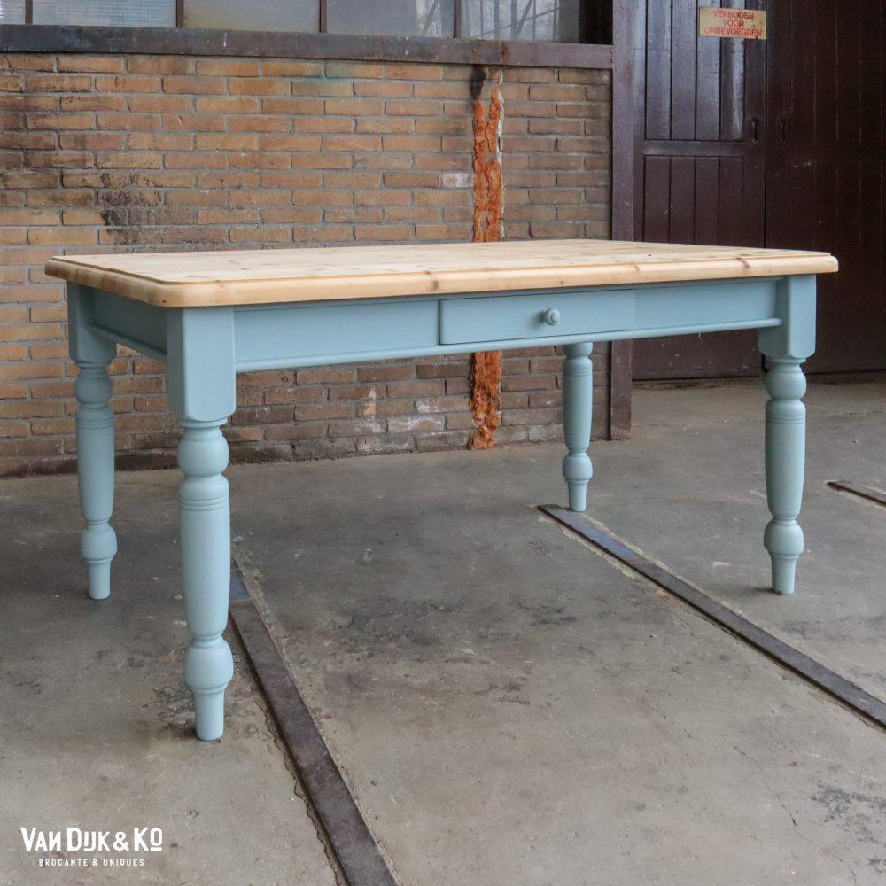 lichtblauwe tafel