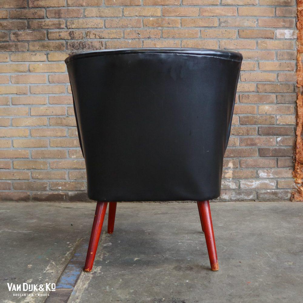 Zwart leren cocktailstoel