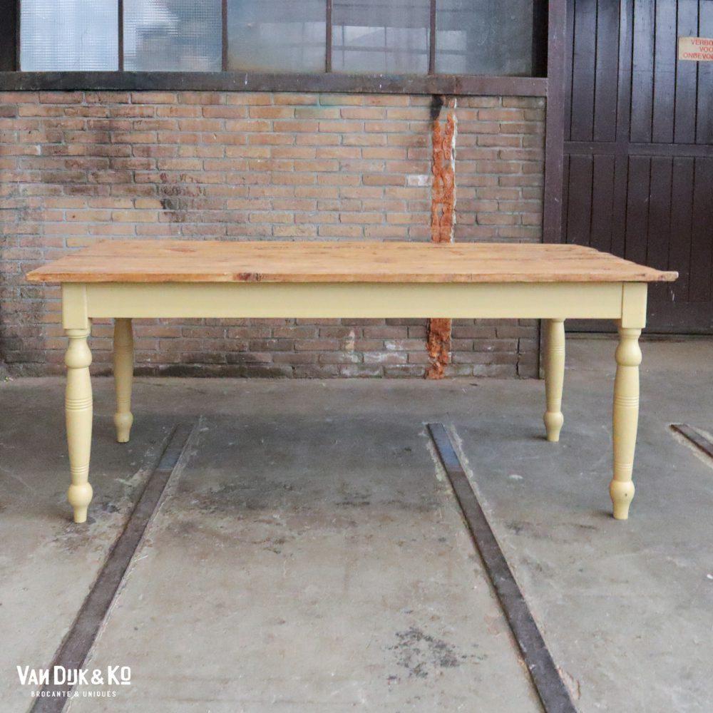 Lichtgele tafel
