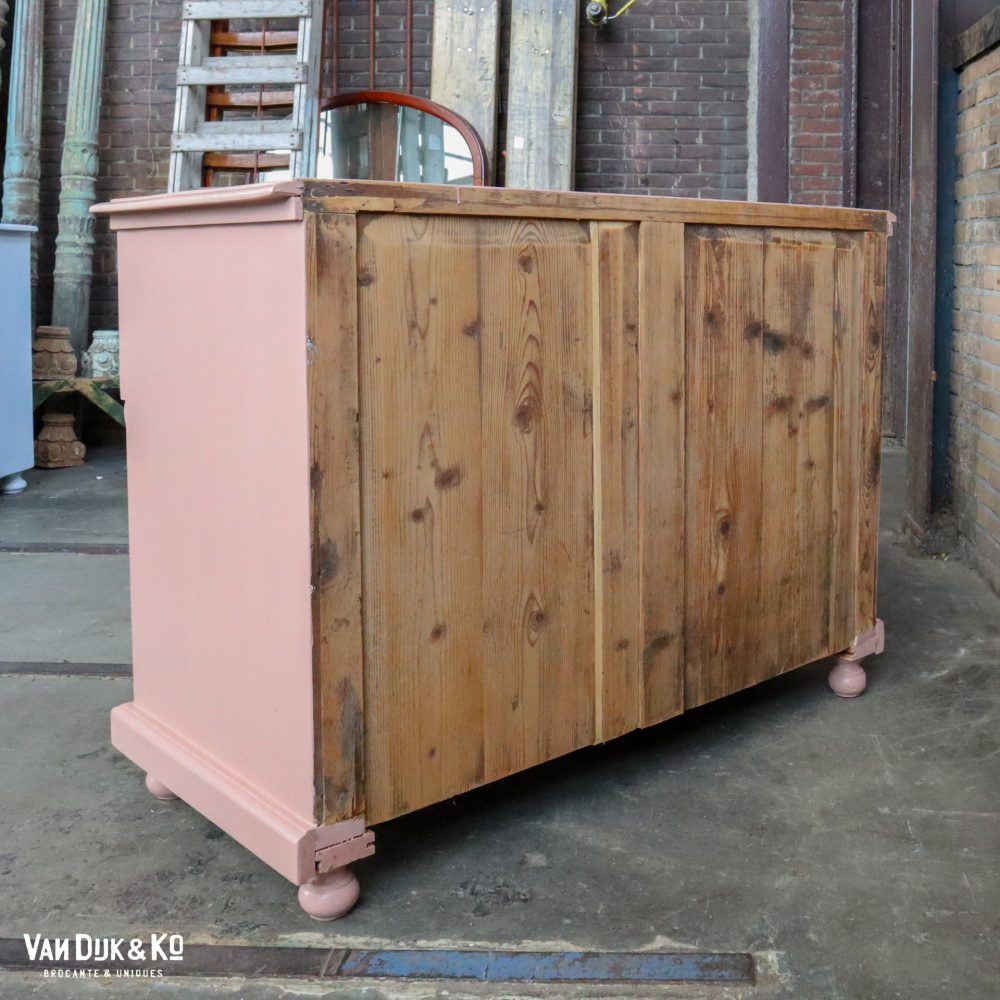 Roze ladekast