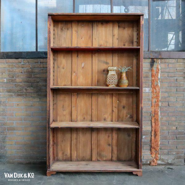 Brocante bruine open boekenkast