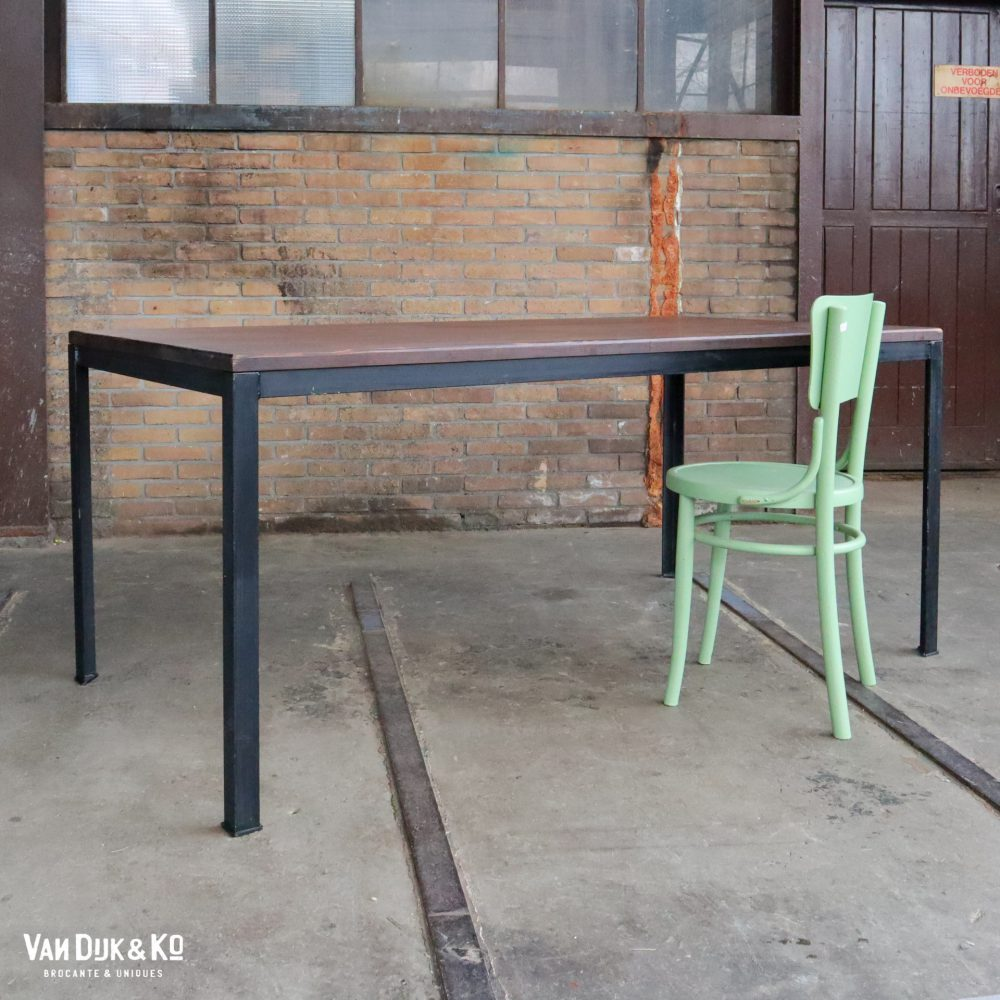 tafel metalen frame