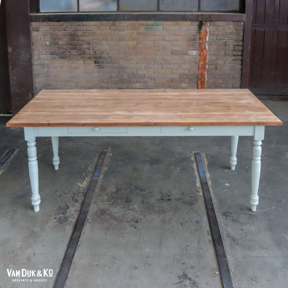Brocante tafel met 2 lades