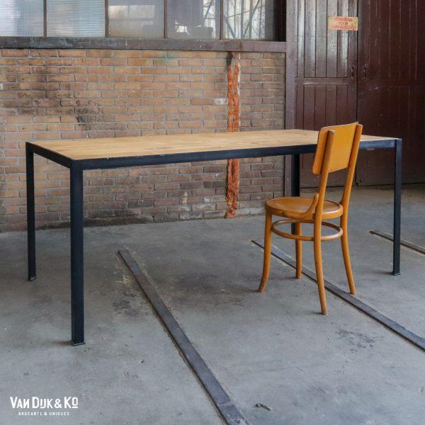Industriële tafel