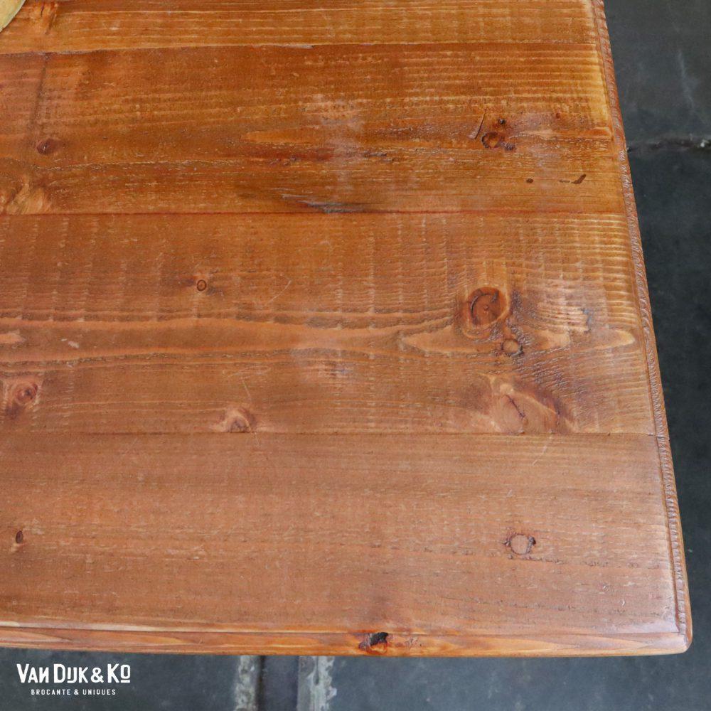 Groene houten toog toonbank
