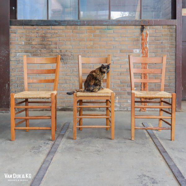 Vintage stoelen met rieten zitting