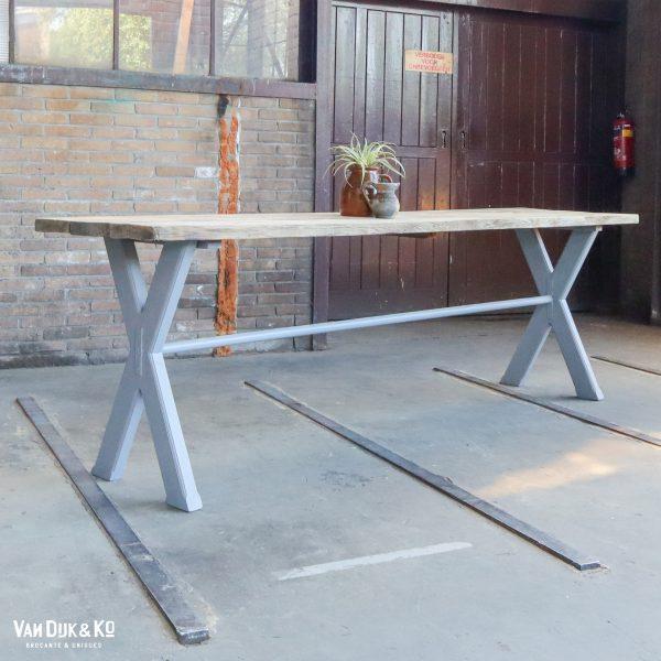 Landelijke kruispoot tafel