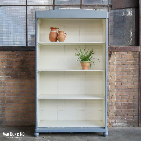 Brocante open boekenkast
